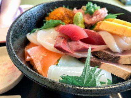 青森市で駅前ではなく、浅虫でもなく海鮮を食べるなら…!